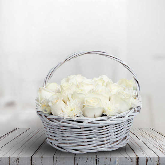خريد اينترنتي سبد گل رز سفید همین امروز2