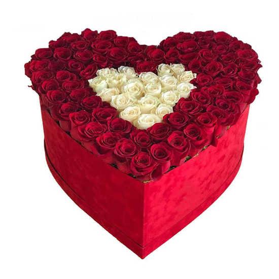 ارسال باکس گل رز قلبی آذین تهران