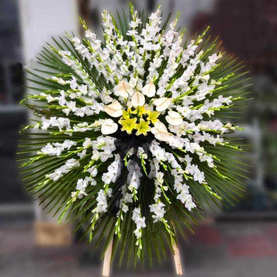 سفارش اینترنتی تاج گل بزرگ چکامه تهران