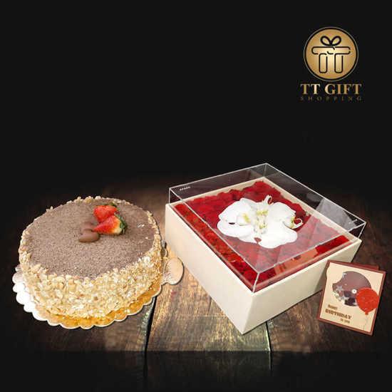 ارسال پکیج کیک و باکس گل پاریس